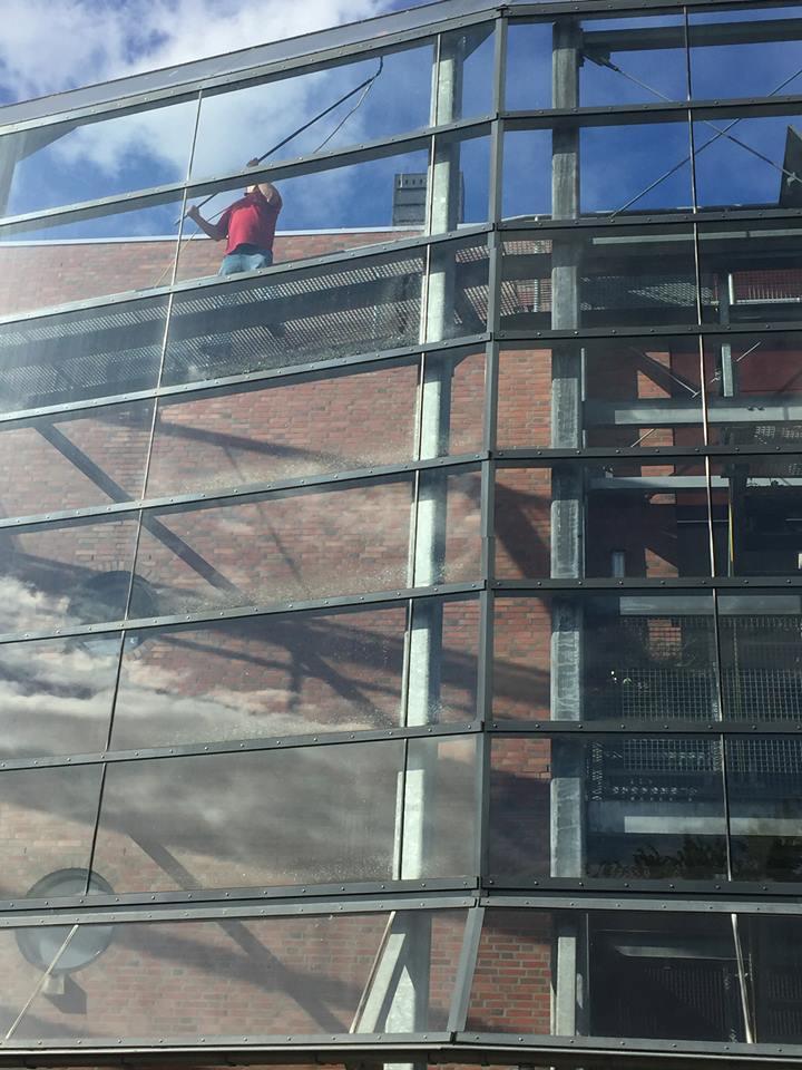 Glasbewassing Oosterhout